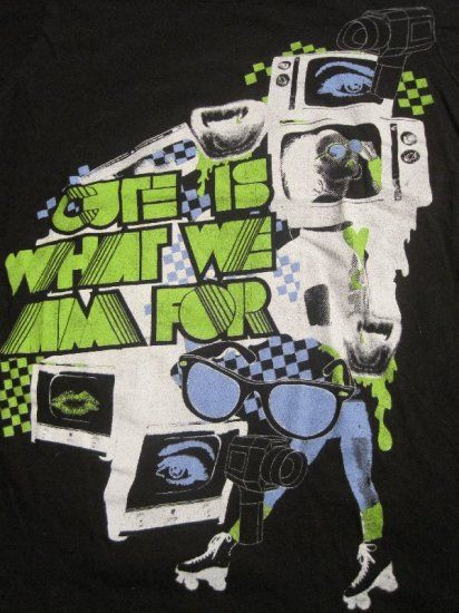 Cute Is What We Aim For Television Band T-Shirt  HOT TOPIC Junior Girls  Size Large $5.99