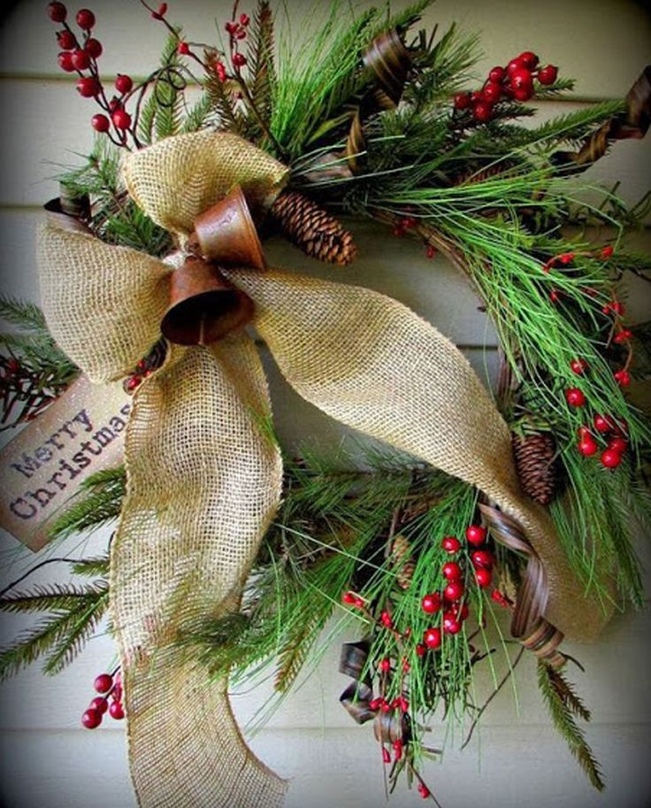 Украшение дома к Новому году и Рождеству приносит такое же наслаждение и удовольствие, как и выбор подарков для близких. В данной подборке 25+ 1 оригинальная идея венков, которые сразу настроят на праздничный лад. Новогодний или рождественский венок можно изготовить из чего угодно например из сухой соломы, мха, прутьев ивы, специальной лозы для плетения венков.