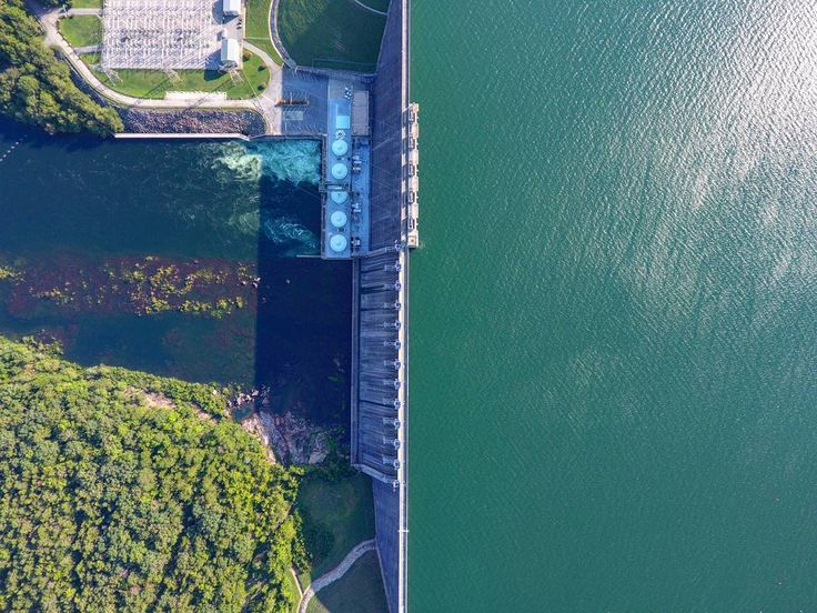 """147 Likes, 14 Comments - David Timmons (@fatedfilms_aerialmultimedia) on Instagram: """"Hartwell Dam in Georgia, from directly above #dji #godrone  #drone #droner #capturedbydrone…"""""""