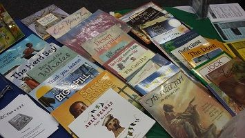 Little Footprints South Africa in Stories - Child Literature Lesson Plans. Unit study lesson plans about South Africa, based on children's story books.
