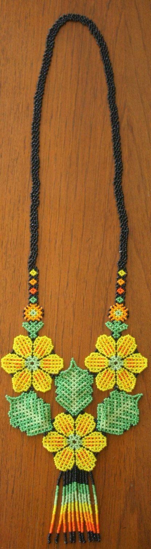 Beautiful Yellow Flower Handmade Beaded por MiCasitaDeChaquira