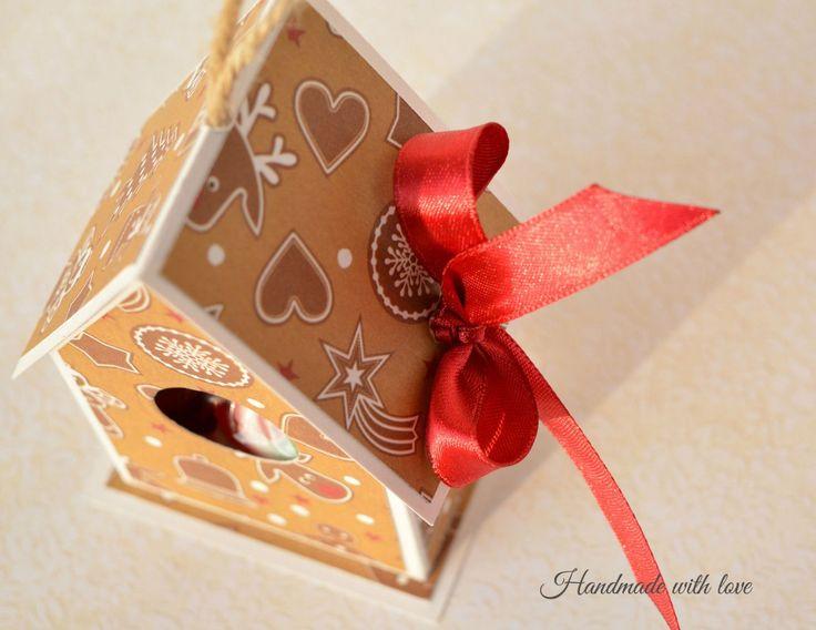 Домик на елку (подходит для денежного подарка или сладостей)