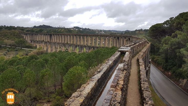If you visit Tomar, don't forget to admire the beautiful Pegões Aqueduct, the aqueduct that supplied the Convent of Christ.