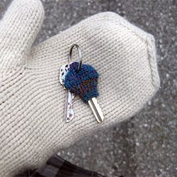 To replace my old knitted key cozy, I made a new crocheted one. I think I like the new one better than the old one!