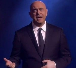 """VIDEO YouTube – Crozza dedica canzone a Berlusconi: """"Sono libero perché…"""""""