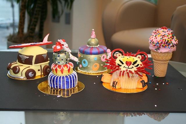 Cupcake Sample - Oasis of the Seas, The Cupcake Cupboard by RoyalCaribbeanIntl, via Flickr