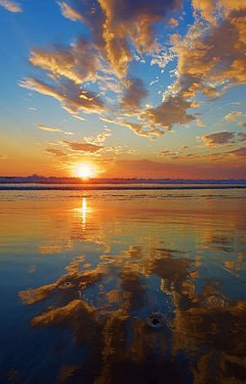 Sunset Reflection (With images) | Water sunset, Clouds ...