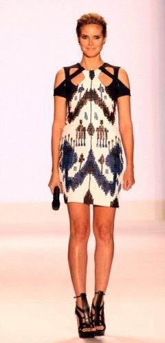 Heidi Klum in ikat Gucci
