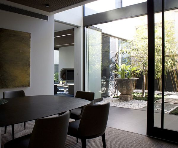 Two in a Row: Privacy and Openness Defining Contemporary House in Sydney