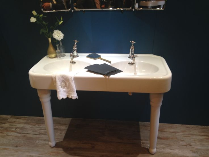 Arcade double console basin with nickel plated taps