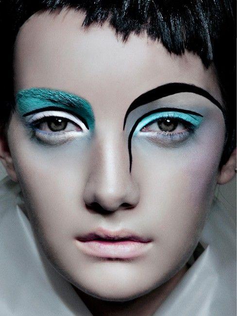 Mint and black lines #makeup #evatornadoblog #mycollection #makeupideas #bestlooks                                                                                                                                                      Más