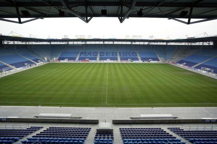 MDCC-Arena, Magdeburgo, Alemania. Capacidad 27.250 espectadores, Equipo local 1. FC Magdeburg. El primer estadio en este lugar había sido inaugurado el 14 de abril 1912 como el hogar de SV Victoria 96 Magdeburg. En 1914 fue sede de la finales para el campeonato alemán entre Spielvereinigung Fürth y VfB Leipzig.