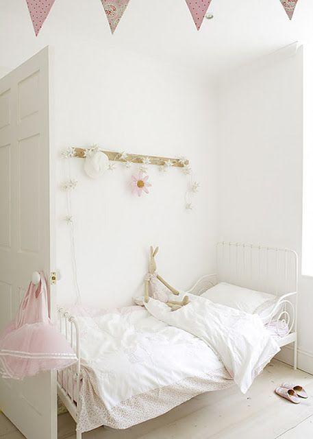 shabby chic on friday| Camerette nursery  letti bimbi carte da parati idee per arredare la camera dei bimbi.