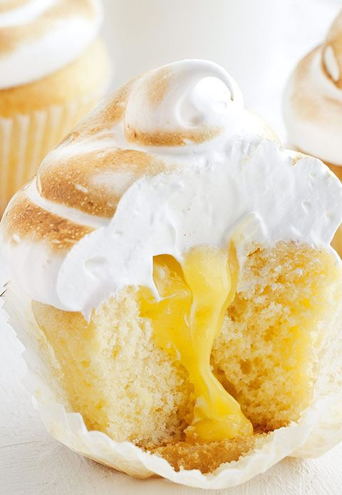 Oozy curd centre and soft meringue topping...DROOL!
