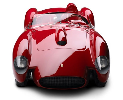 Ferrari 250 Testa Rossa... las comparaciones con los tiempos modernos son odiosas.
