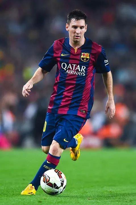 Le superbe petit pont de Messi face à l'Ajax - http://www.actusports.fr/122023/superbe-petit-pont-messi-face-lajax/