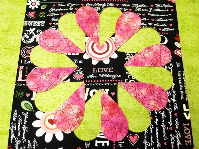 Flip la' K Garland of Hearts Templates. I love the heart effect this gives while being a wreath.