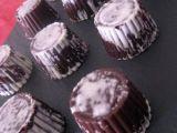 Bombones de chocolate rellenos con praliné de almendras
