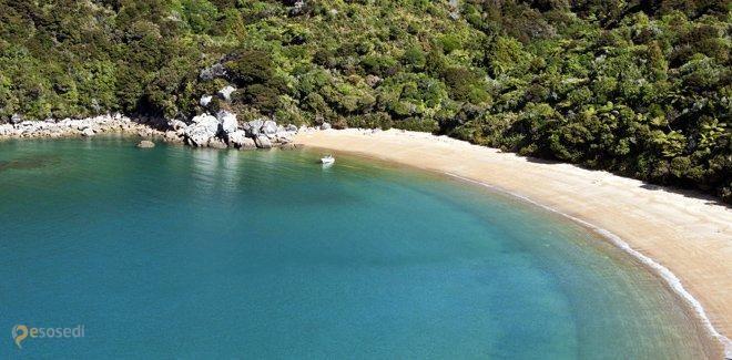 Абель-Тасман (национальный парк) – #Новая_Зеландия (#NZ) Мало не значит плохо! Абель-Тасман имеет самые скромные размеры среди всех национальных парков Новой Зеландии, но красотой и популярностью он точно не обделен! http://ru.esosedi.org/NZ/places/1000088455/abel_tasman_natsionalnyiy_park_/