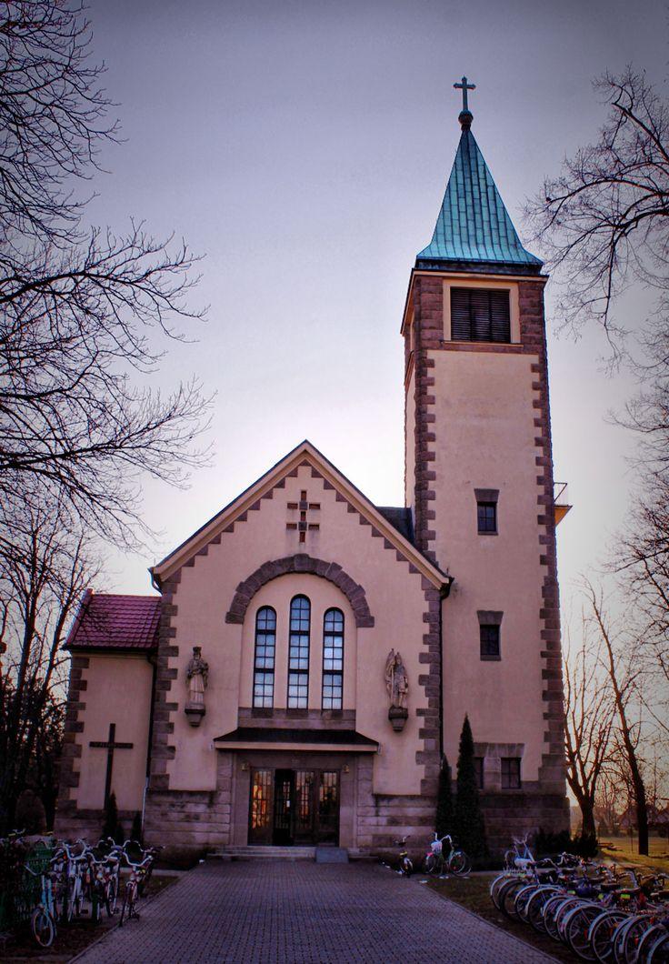 Kostol v Hronských Kľačanoch . Ceremonial laying of the foundation stone of new Roman Catholic church was held on Sunday, October 5, 1930