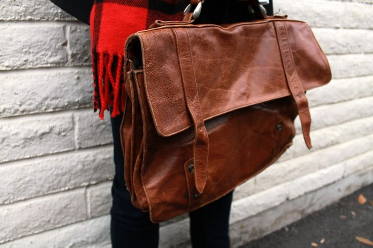 Love the leather satchel! #CollegeFashionista