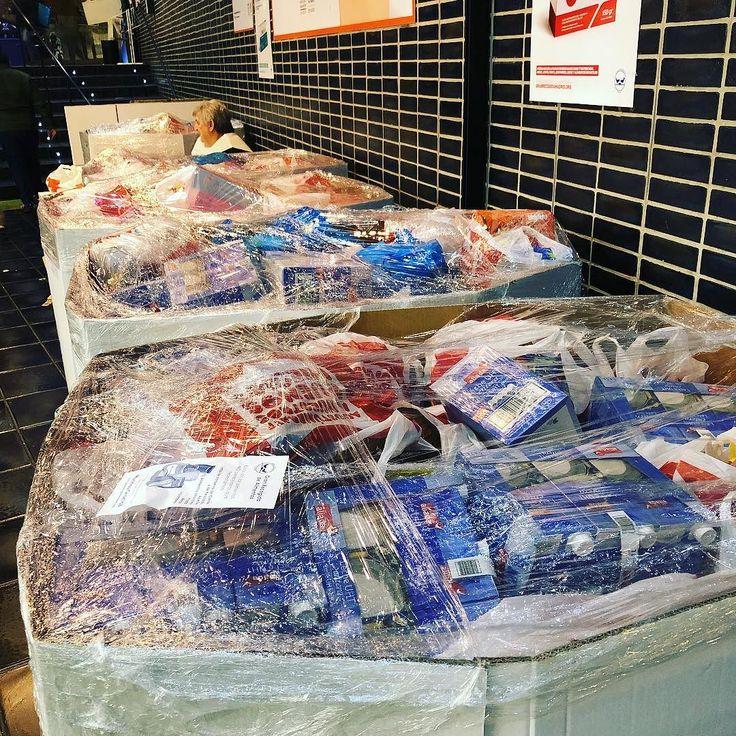 Kilos y kilos recogidos para el banco de alimentos #granrecogida2017 #solidaridad #solidarity #madrid #mercadodesananton #aunestasatiempo