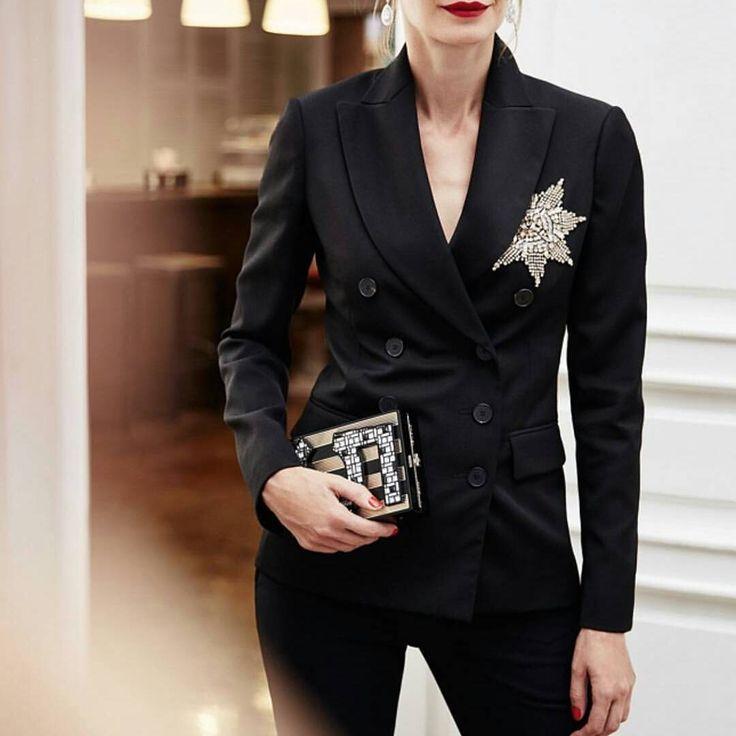 @alrawash_dressmaker -  Вот наша КОСМИЧЕСКАЯ ТЕМА⭐️⭐️⭐️Костюм просто ОГОНЬ🔥🔥🔥 ЗАКАЗЫ НА КОСТЮМ ПРИНИМАЕМ ДО 1 ДЕКАБРЯ🙌🏻 #индивидуальныйпошив #дизайнерскаяодежда #эксклюзивнаяодежда #москва #казань #россия #онлайнмагазин #онлайншоппинг #доставка #мода #стиль #fashion #beauty #instalike #instaday #like - #regrann