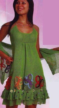Vestido de crochê e xale