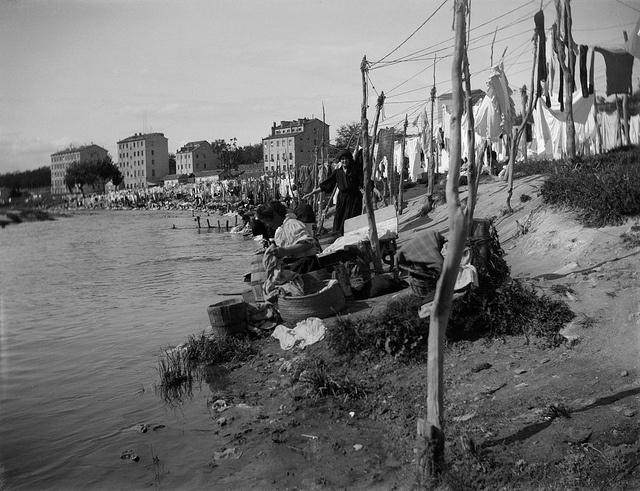 Las lavanderas del rio Manzanares (Madrid) 1915,