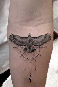 i do not know why but I am IN LOVE with this tattoo! I would add the watercolor effect to the catcher part though.....