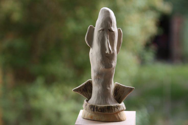 Männerkopf, Engel, Kunstobjekt, Skulptur aus feinem Steinzeug, weiße Keramik, handgeformt, geschnitzt, bemalt, frosthart von UNIKATKERAMIKFIGUR auf Etsy