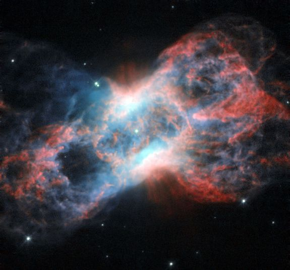 A planetary nebula, just beyond the tip of the tail of the constellation of Cygnus (Credit: ESA/Huddle & NASA)