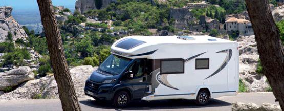 Camping car Chausson, fabricant de camping car neuf, vans et fourgons aménagés permet à tous de voyager avec sa maison sur le dos!