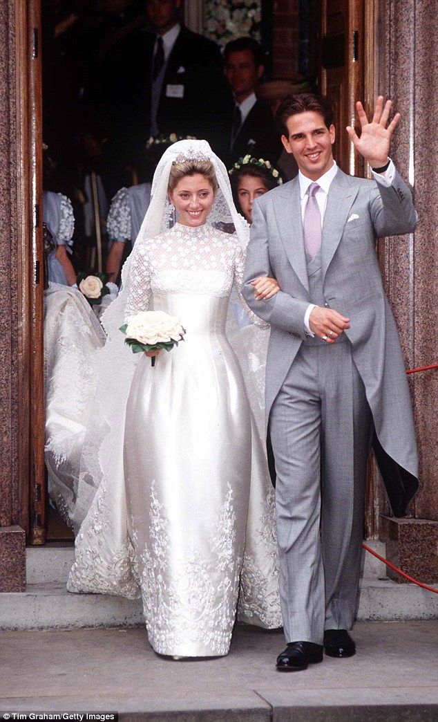 Princess Marie Chantal Of Greece Wore A Stunning Lacy Valentino The Wedding Crown Prince Pavlos To Miller One