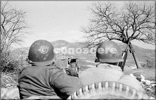 febbraio 1945 uomini in jeep 10 divisione di montagna soldati in possesso di una mitragliatrice si avvicina monte belvedere