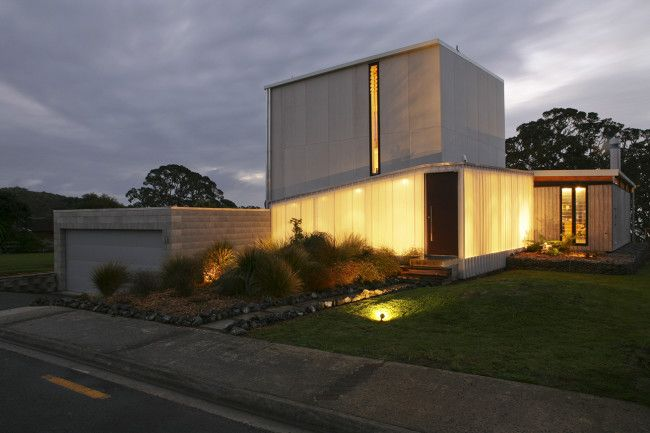 Pin more of this house at http://www.designhunter.net/rustic-natural-palette-coopers-beach/ #architecture