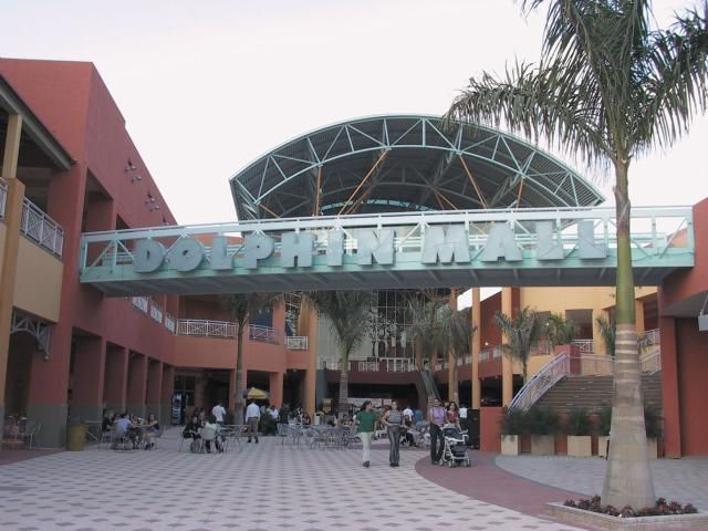 All the Stores, Restaurants and Entertainment in Dolphin Mall in Miami, Florida