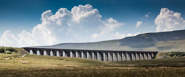Ribblehead Viaduct Yorkshire England UK [OC][8688x3639]