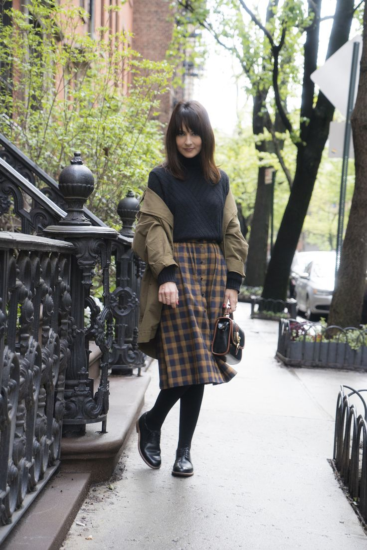 Saia midi xadrez no frio de NY | Danielle Noce