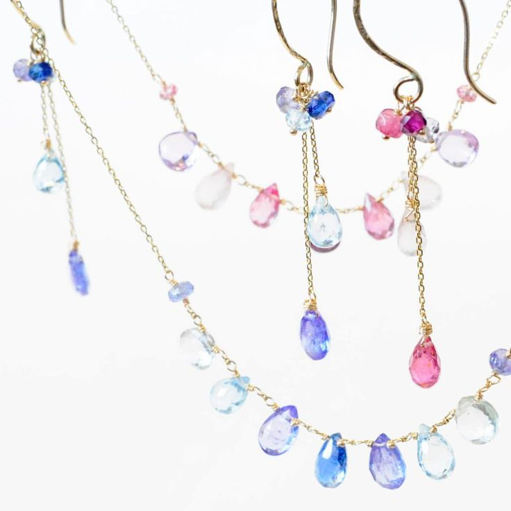 ☆anq.新作のご案内☆ 春らしい新作続々と店頭に並んでおります♪ クリアなピンクとブルーが可愛いネックレスとピアス☆ ちらちらと揺れてとっても素敵! 華やかで気分も上がります♪ 少しずつ新作ご紹介して行きますのでお楽しみに☆☆ #anqjewelry #ジュエリー#jewelry #ネックレス#necklace #ピアス#pierce #天然石#stone #ブルー#blue #ピンク#pink #新作 #ファッション#fashion anq.お取り扱い店舗 #銀座#ginza#銀座サロン #東京#新丸ビル#ブランティムール #大阪#グランフロント大阪#クークロワッサンノヴェル#kucroissantnovel #大阪高島屋#kucroissant大阪高島屋