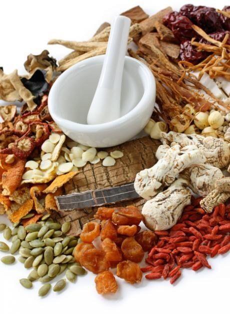 朝晩冷え込むようになり、体調を崩したり肌荒れをしたり…と体のトラブルに悩んでいませんか? 今回は体に良いと言われている漢方食材を使った調味料レシピをご紹介します。