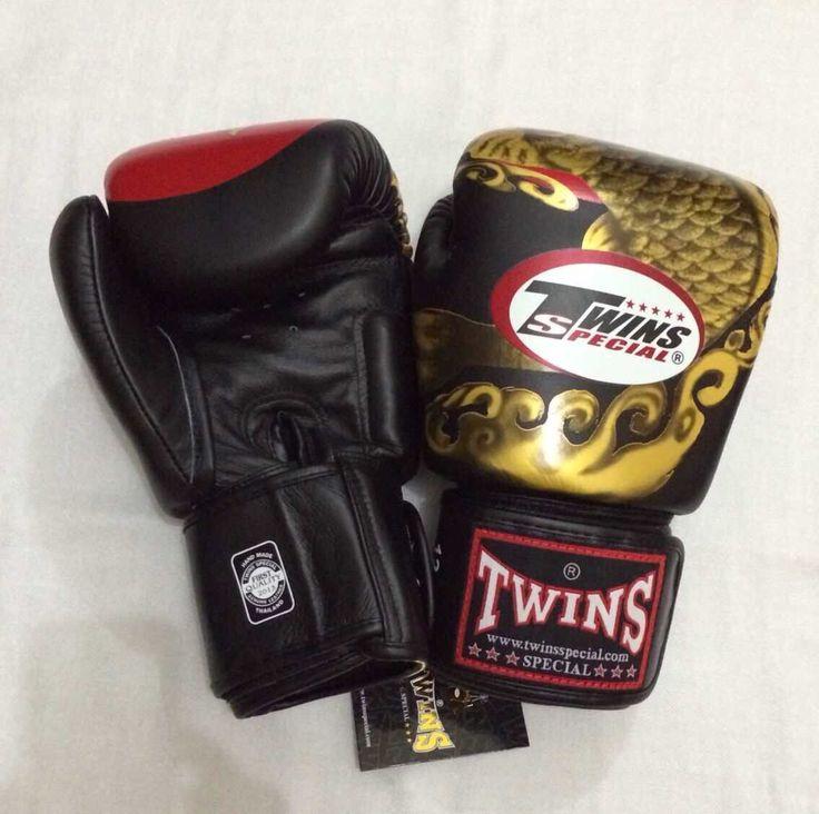 TWINS Koi Black Twins Special Premium Leather  Made in Thailand  Size & Price: -   8oz: IDR 800,000.00 - 10oz: IDR 850,000.00 - 12oz: IDR 900,000.00 - 14oz: IDR 950,000.00  Contact: BOXAH Email: info@boxah.com Web: www.boxah.com Instagram: Boxahid Whatsapp: +6281295058111 BBM: 2B0D591A