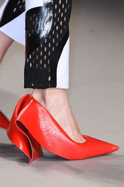 98dc6a1a4d2 Central Saint Martins Fall 2015 Runway Pictures in 2019
