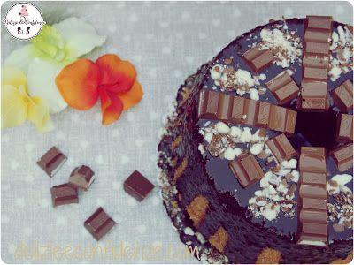 Fluffosa alla vaniglia con glassa al cioccolato fondente e barrette di cioccolato. La Chiffon Cake per i più golosi http://www.delizieeconfidenze.com/2017/02/fluffosa-alla-vaniglia-con-glassa-al.html