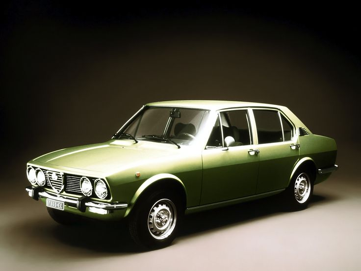 Alfa Romeo Alfetta 1.8 L - 1975 Maintenance/restoration of old/vintage vehicles: the material for new cogs/casters/gears/pads could be cast polyamide which I (Cast polyamide) can produce. My contact: tatjana.alic@windowslive.com