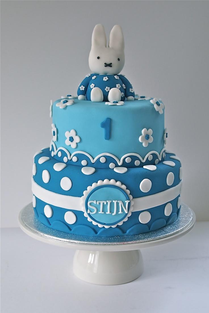 17 beste taart idee n op pinterest verjaardagstaarten lego verjaardagstaarten en lego taart - Idee deco slaapkamer jongen jaar ...