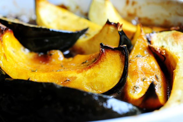 Love that pioneer woman! My responsibility as side dish veggie bringer is complete with this Sweet-Roasted Rosemary Acorn Squash