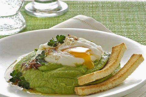 ricette con piselli - e uovo in camicia