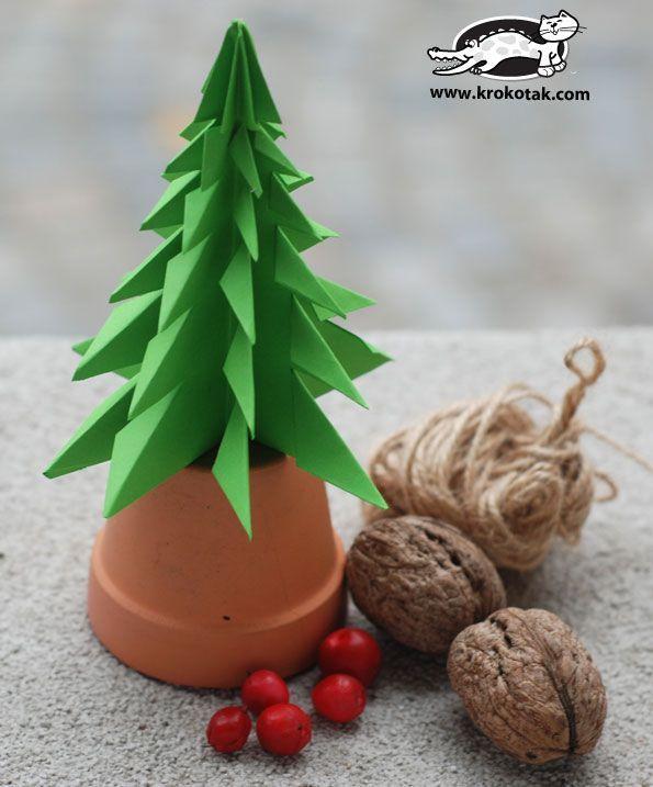 Fold a fir tree Step-by-step picture instructions http://krokotak.com/2013/11/fold-a-fir-tree/
