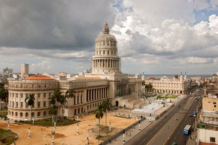 Airlines Drop Cuba Flights Citing Lower Demand Than Anticipated by FRANCES ROBLES
